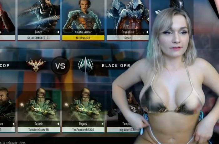 ZoieBurgher the bikini Twitch streamer